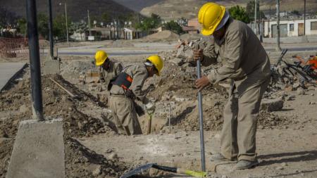 Informe del INDEC: cae la construcción a más del 24%, la mayor baja en 14 años