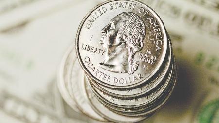 Cómo alargar la 'duration' en pesos invirtiendo en dólares