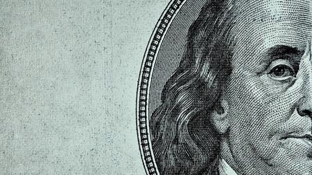 Cómo comprar dólares baratos a mejor cotización que en el banco