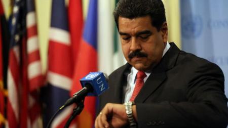 Venezuela camina por la cuerda floja del default